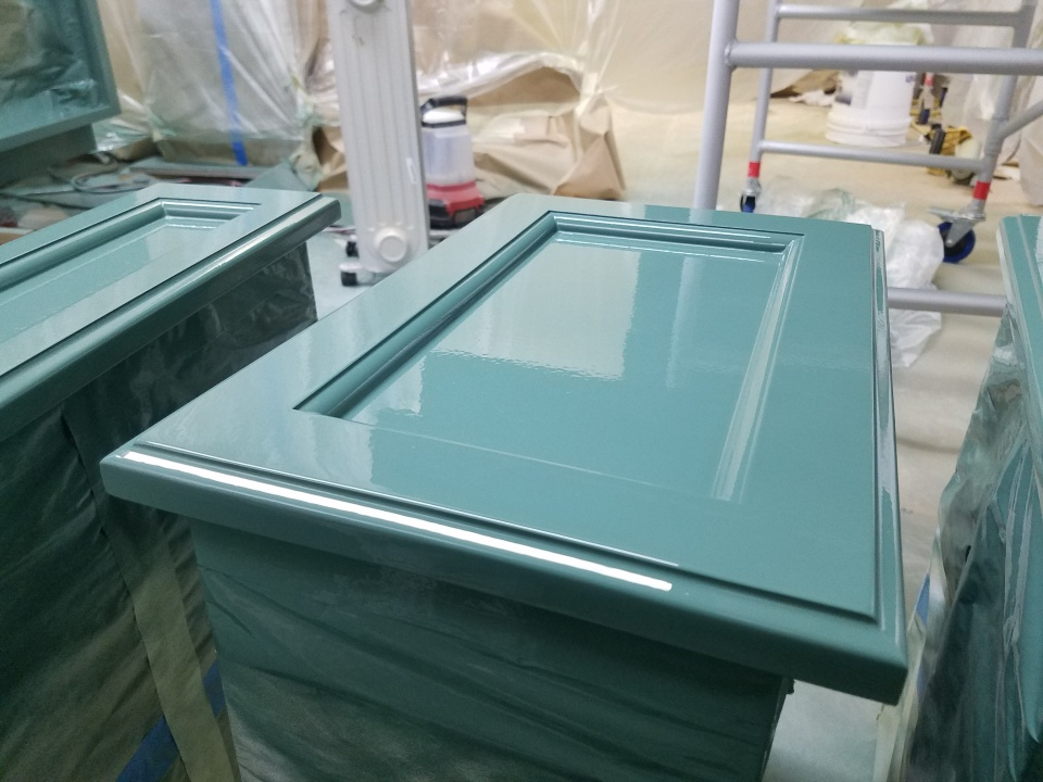 There isn't a good cabinet paint-20180506_155916.jpg