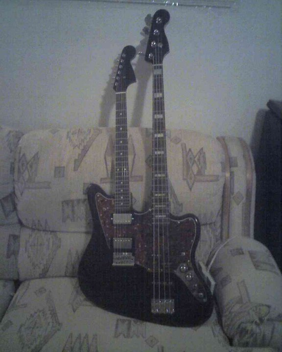 Any Guitar Players Here?-6.jpg