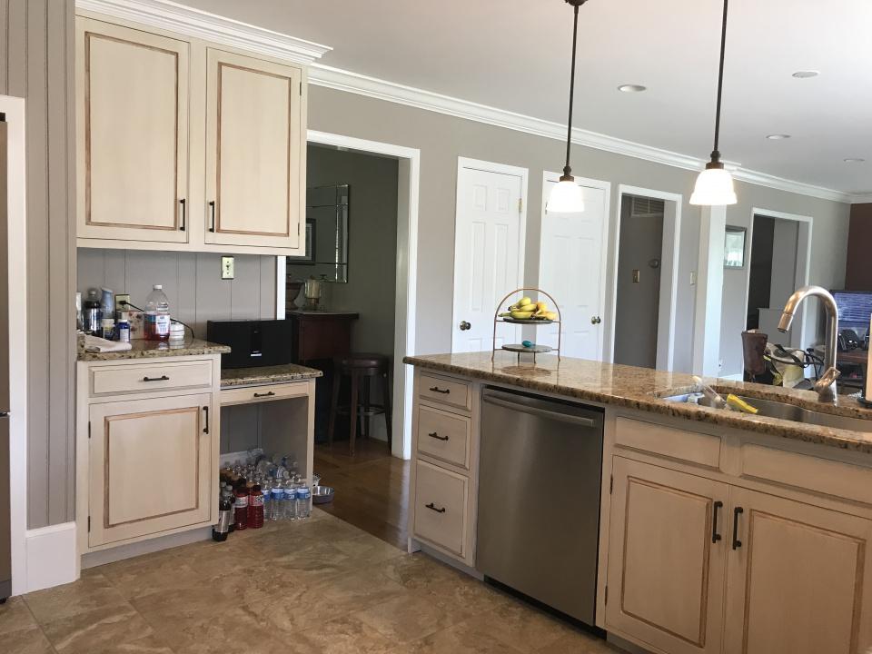 Glazed Kitchen Cabinets is Still a Thing-6735e474-95bf-49b6-a83e-44aea82a9e61.jpg