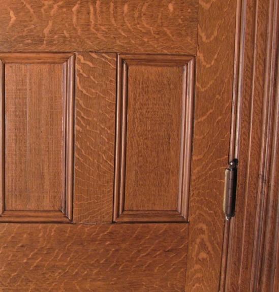 Quarter Sawn oak-close-up.jpg