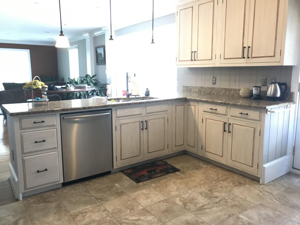 Glazed Kitchen Cabinets is Still a Thing-d7946e62-ccf2-4375-89a1-1d6e1024e8b7.jpg