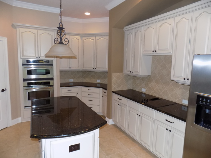 kitchen cabinet painting in orlando fl page 5 paint talk professional painting contractors. Black Bedroom Furniture Sets. Home Design Ideas