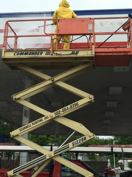 95 JLG scissor lift with hydraulic trailer-image_1466638502643.jpg