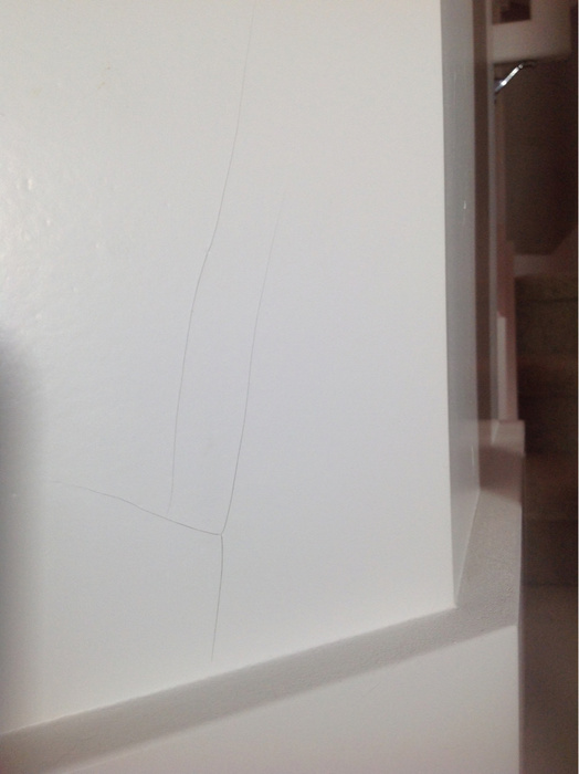 Hairline Crack on New Wallboard with Texture-imageuploadedbypainttalk.com1424505597.837444.jpg
