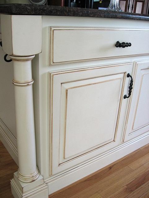 Bath cabinets-water or oil?-mary-g-island-closeup-post.jpg