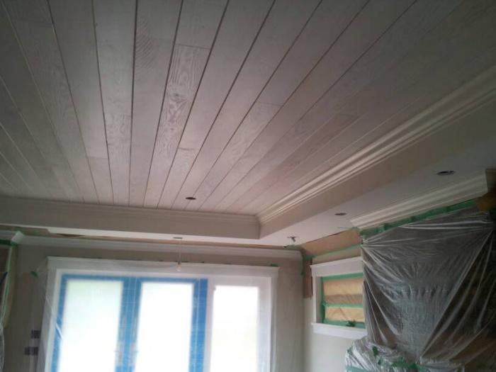 Difficult gable ceiiling - varnish to white-uploadfromtaptalk1404625782557.jpg